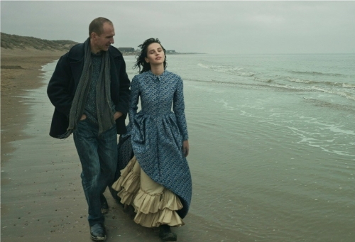 7-ralph-fiennes-felicity-jones-vogue-the-invisible-woman